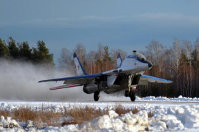 Winter MIG-29 flights